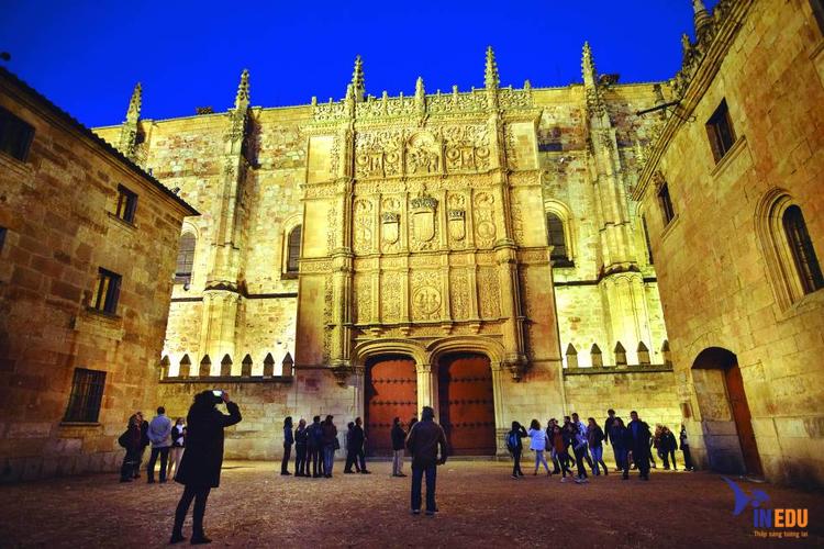Salamanca of University là trường đại học sỡ hữu những thành tích khủng tại Tây Ban Nha