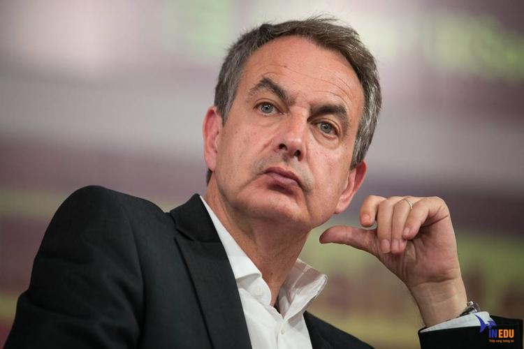 José Luis Rodríguez Zapatero là một trong những cựu học sinh tiêu biểu của trường đại học León