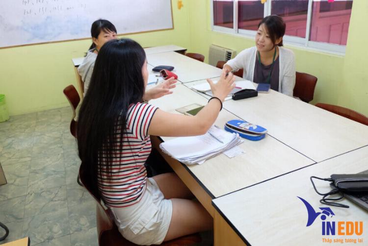 Học viên theo học tại trường