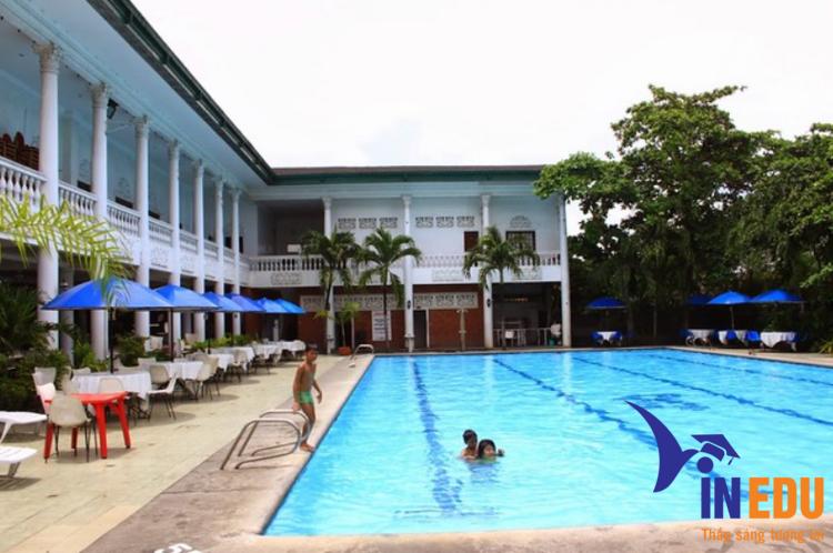 Hồ bơi cho học viên