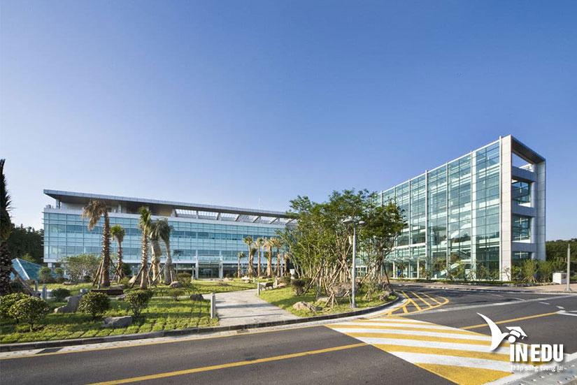 """Trường đại học quốc gia Jeju - """"sự tin cậy, công bằng và tính sáng tạo"""""""