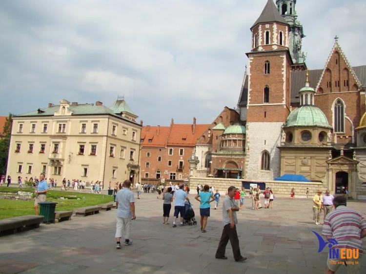 Dân số Ba Lan đã dừng tăng trưởng