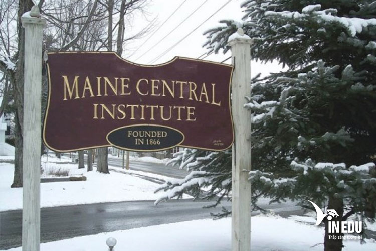 Trường Maine Central Institute thành lập năm 1866