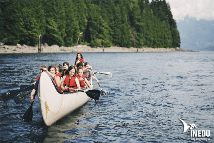 Sự nổi tiếng của Sprott Shaw College nhờ đặt tại British Columbia