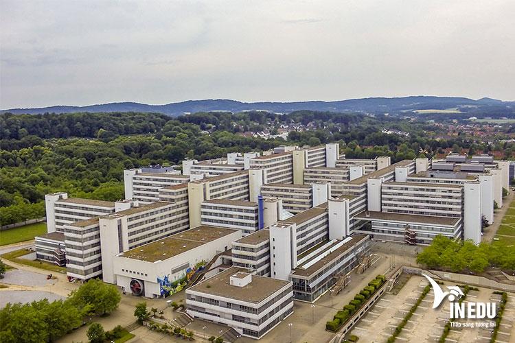 Các tòa nhà tại Đại học Bielefeld được xây theo kiến trúc của những năm 1960