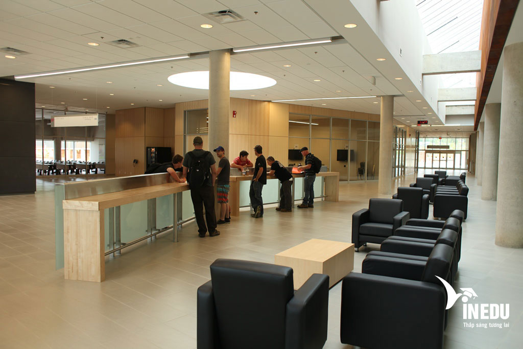 Học cao đẳng tại Fleming College với IELTS 6.0