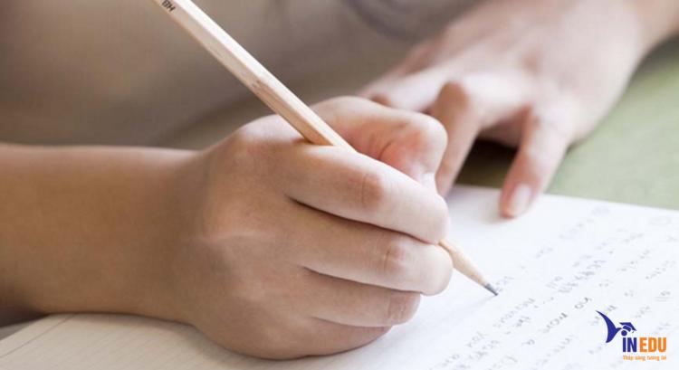 Viết bài luận phải chặt chẽ từng câu từng chữ