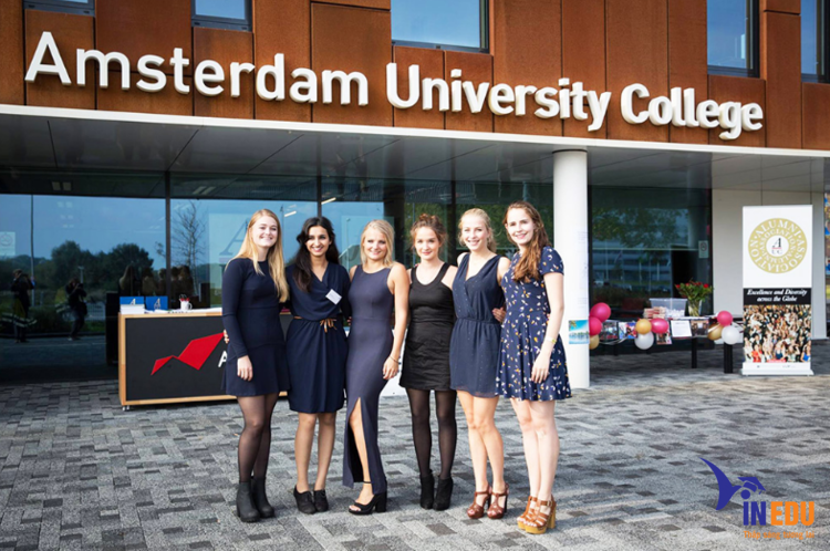 Amsterdam University ( Đại học Amsterdam)