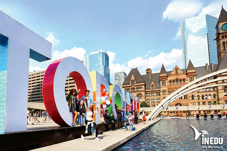Điều kiện sinh sống và học tập tại Toronto