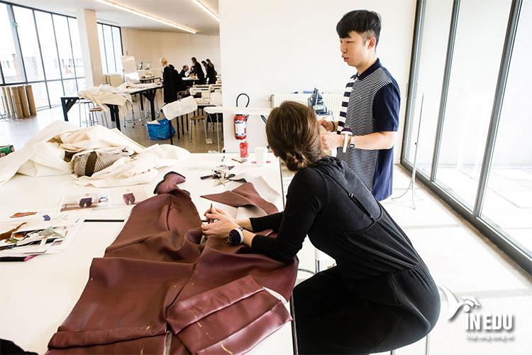 Các chuyên gia thiết kế hàng đầu thường đến từ Pháp