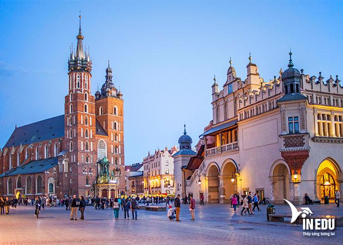 Trước khi du học Ba Lan, bạn cần tìm hiểu kỹ về ngành học và trường học của mình