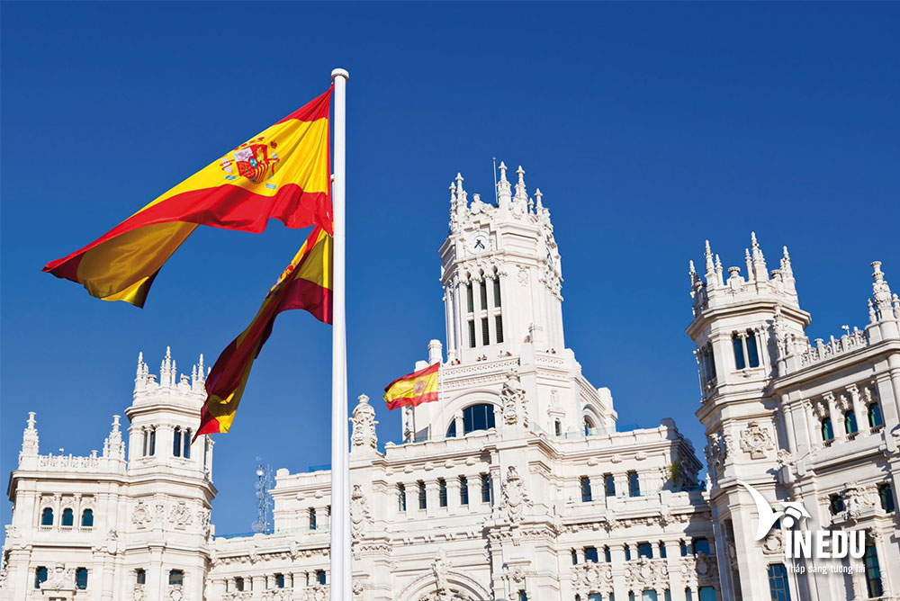 Top 3 trường xếp hạng cao khi du học Tây Ban Nha ngành khách sạn