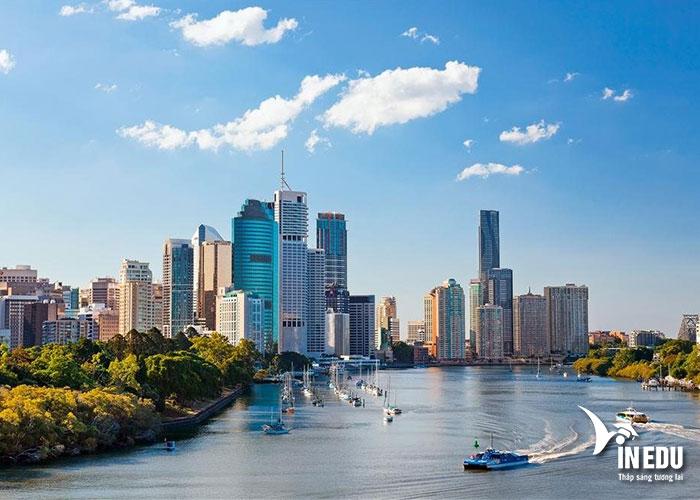 Bang Queensland có điều kiện sống và học tập rất tốt
