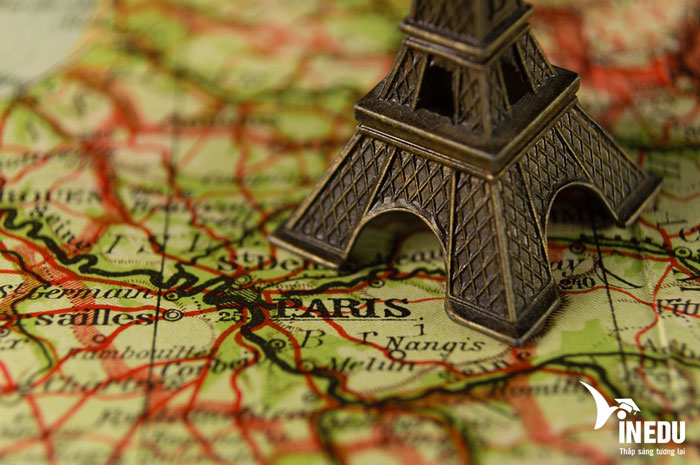 Trường công lập hay trường tư thục là sự lựa chọn khi du học Pháp?