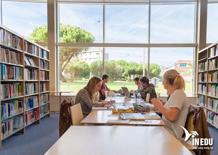 Chất lượng đào tạo của La Rochelle Business School luôn được đánh giá cao