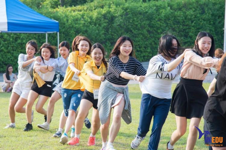 Sinh viên được tham gia nhiều hoạt động ngoại khóa