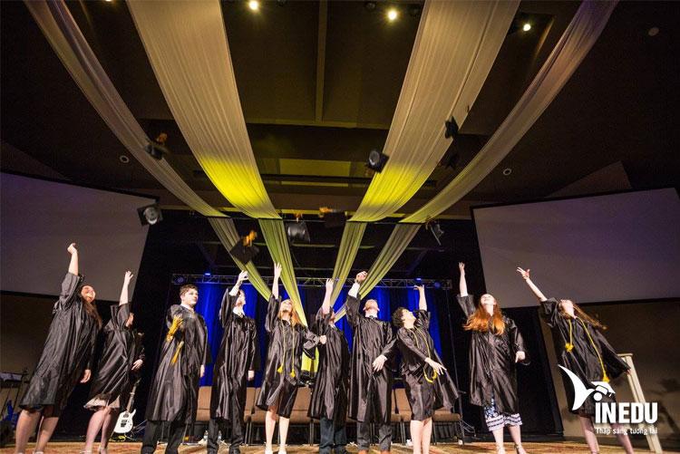 Học bổng lên tới 10.000 đô la trường Trung Học Lancaster Mennonite