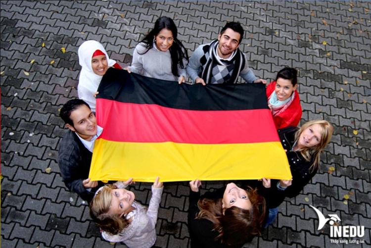 Đại sứ quán Đức có chức năng gì?