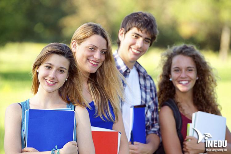 Học bổng tại trường
