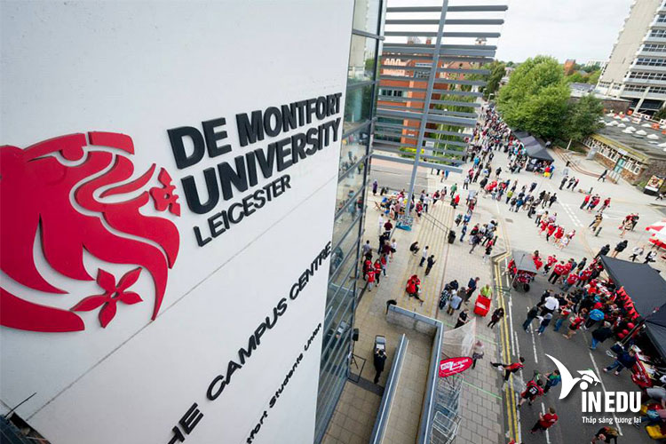 Đại học De Montfort có vị trí địa lý thuận lợi