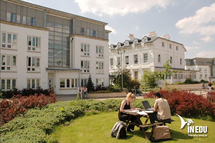 Đại học Gloucestershire là ngôi trường trong mơ của nhiều sinh viên