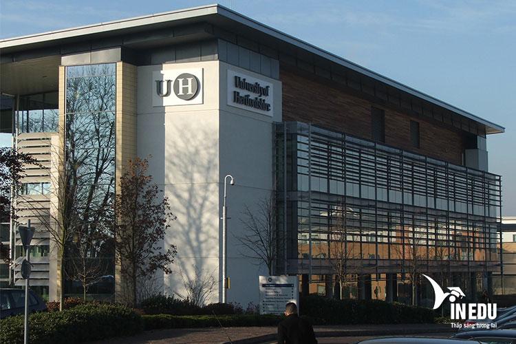 Đại học Hertfordshire đã được thành lập hơn 60 năm