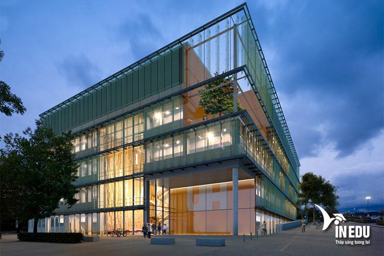Đại học Hertfordshire là trường đại học uy tín top đầu ở Anh