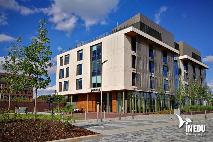 Đại học Northampton là một trong những trường công lập top đầu nước Anh