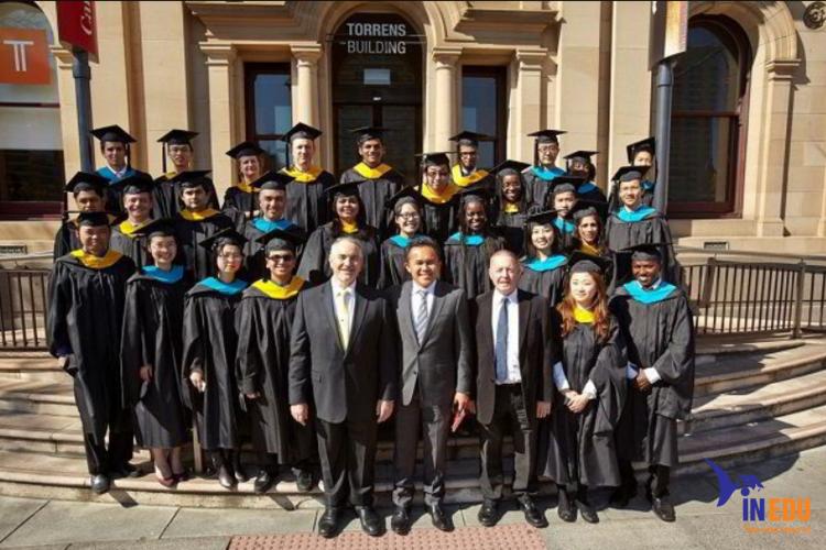 Sinh viên Đại học Torrens