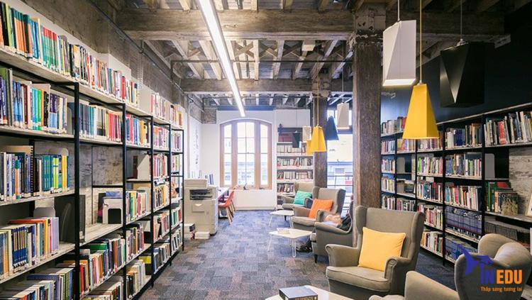 Một góc không gian thư viện trường