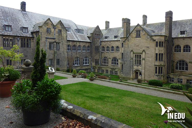 Ngôi trường này được thành lập từ năm 1884