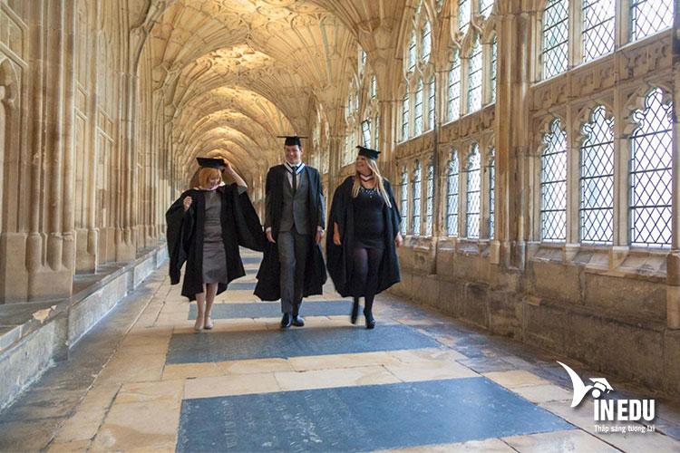 Trường Gloucestershire là một trong những ngôi trường có truyền thống lâu đời tại Anh