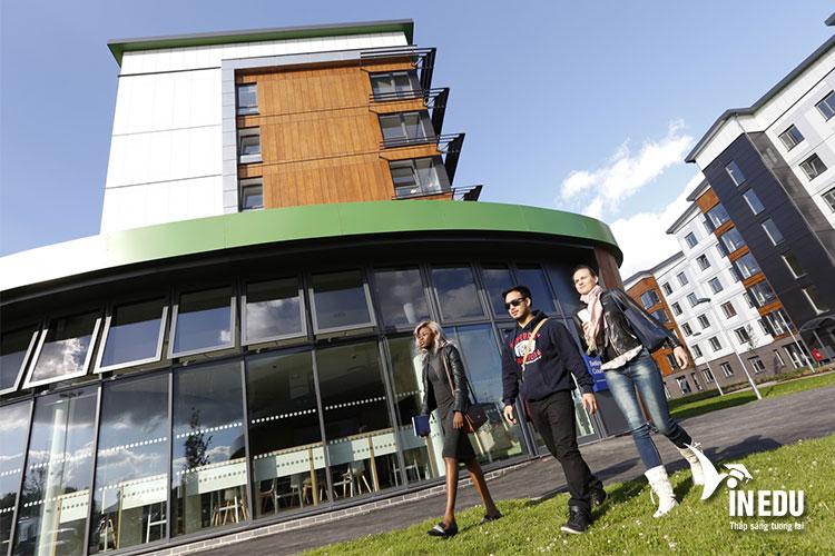 Trường Hertfordshire - cánh cửa mở ra tương lai tươi sáng