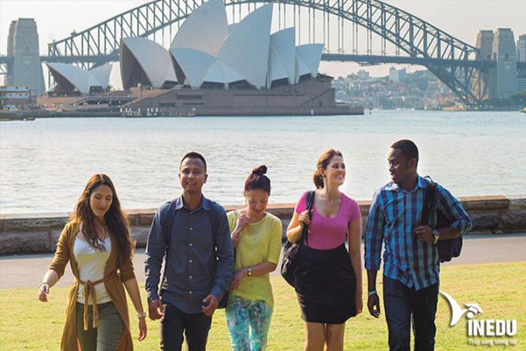 Đại sứ quán Úc có nhiệm vụ gì?