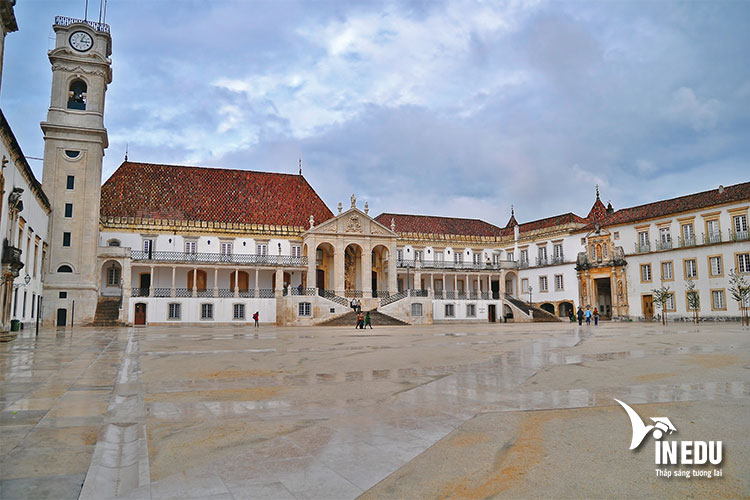 Đại học Coimbra sở hữu tuổi đời dài nhất tại Bồ Đào Nha