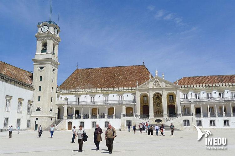 Trường đại học công lập tại Bồ Đào Nha