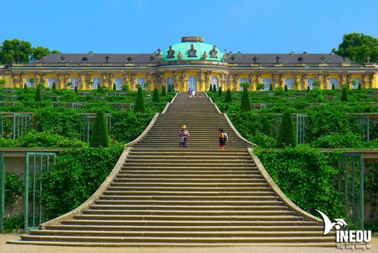 Cung điện và công viên Sanssouci