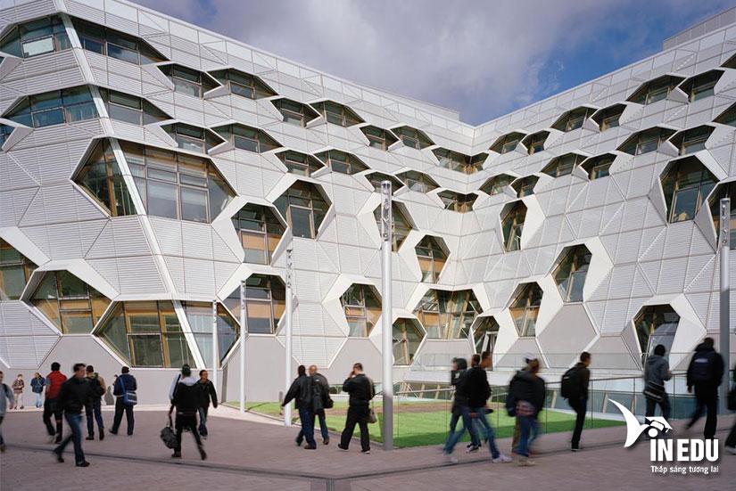 Du học Anh và cơ hội học tập tại đại học Coventry danh giá