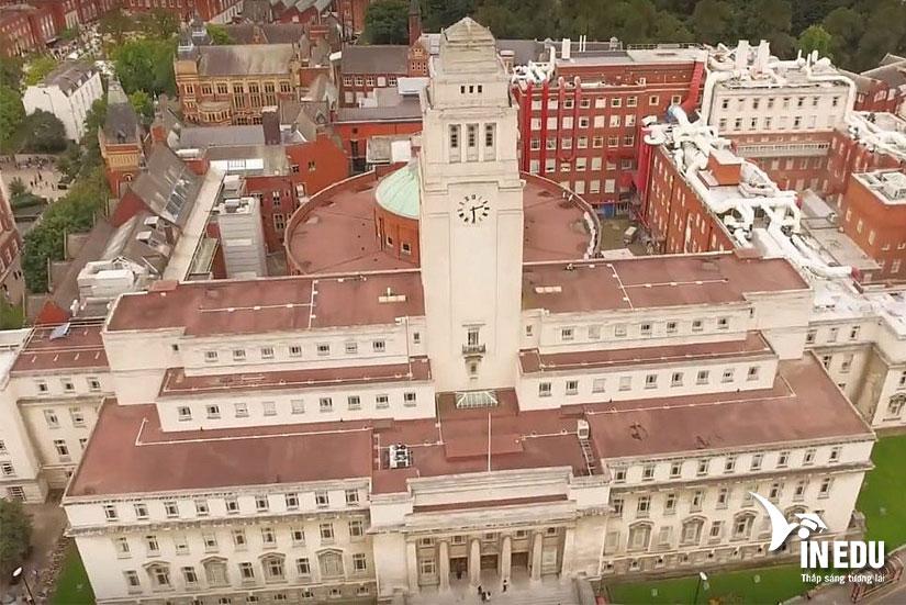 Bạn có biết Đại học Leeds - ngôi trường ngói đỏ siêu nổi tiếng ở Anh?