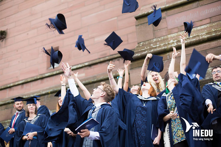 Các chương trình học bổng với giải thưởng giá trị