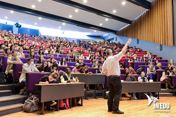 Đến với University of Sussex, bạn được học tập trong môi trường hàng đầu