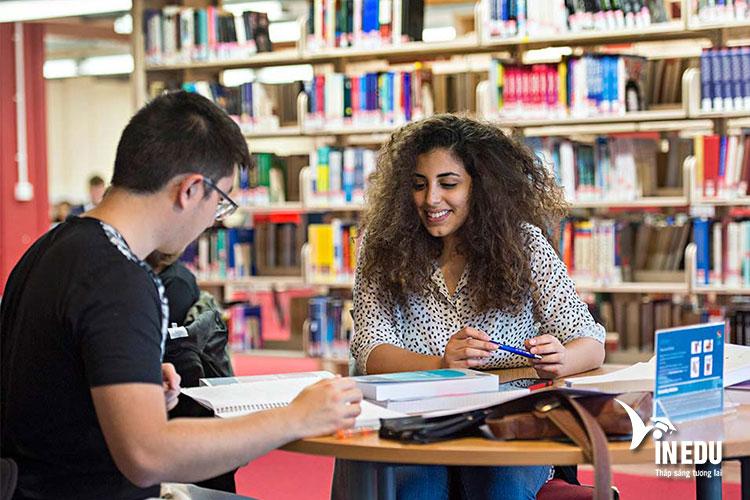 Học phí khi theo học các chương trình du học tại Đại học Keele
