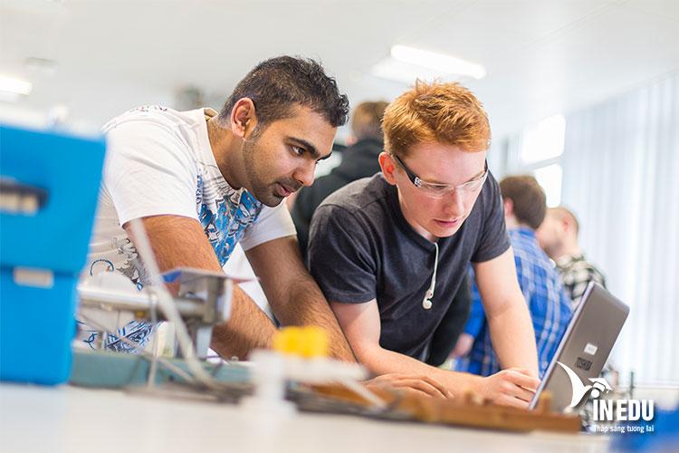 Học phí tại Liverpool John Moores University dành cho du học sinh Việt Nam