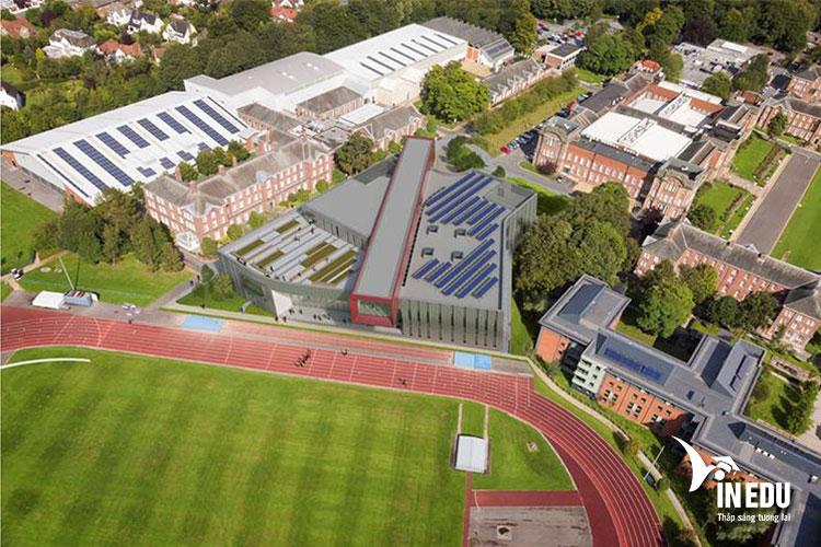 Leeds Beckett University là một trong những ngôi trường rộng lớn nhất nước Anh