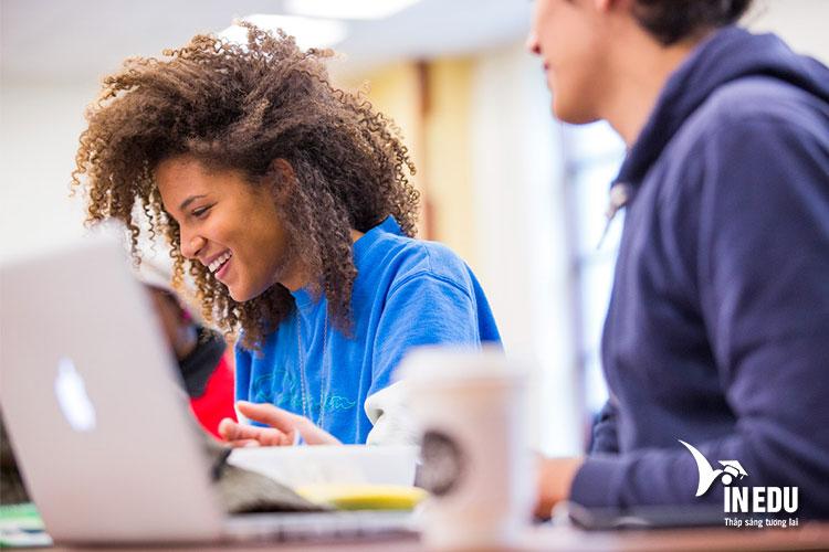 Sinh viên được hỗ trợ và tìm kiếm việc làm phù hợp với chuyên ngành học