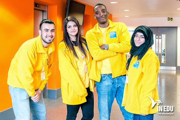 Sinh viên luôn nhận được hỗ trợ từ các phòng ban liên quan trong quá trình đăng ký