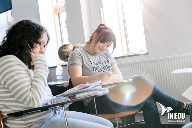 Tài chính và kế toán là một chuyên ngành thế mạnh của trường Sussex