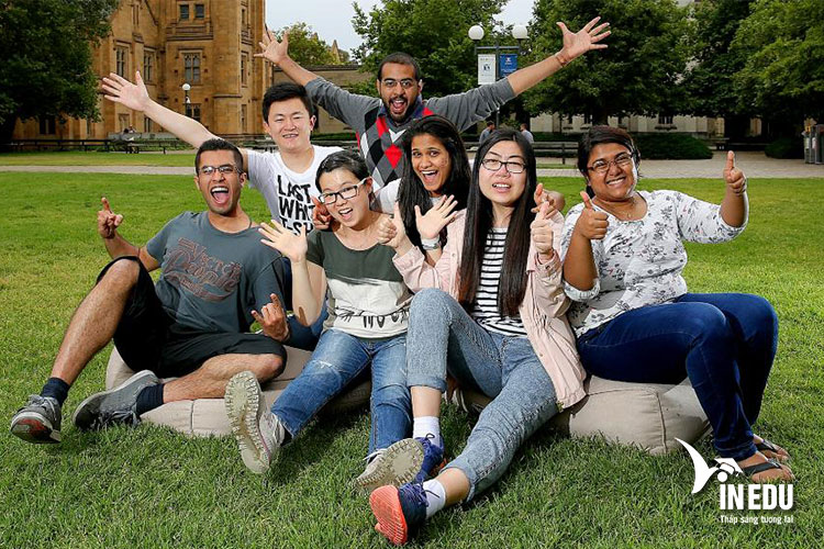 Yêu cầu chung dành cho sinh viên quốc tế muốn theo học tại University of Surrey