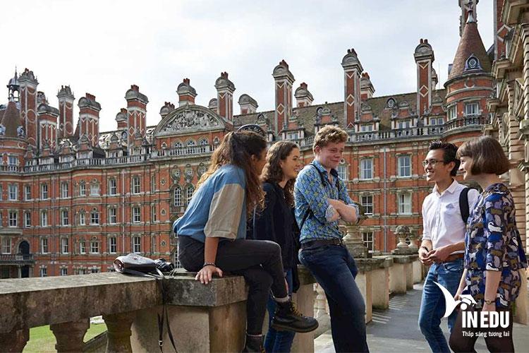 Yêu cầu nhập học đối với sinh viên quốc tế tại Royal Holloway, Đại học London