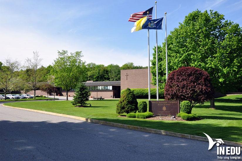 Học bổng trung học Mỹ trường John F.Kennedy Catholic High School